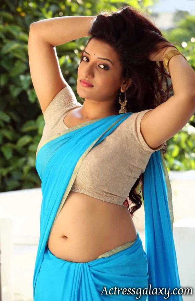 janani-hot-big-navel-show-side-view-in-saree
